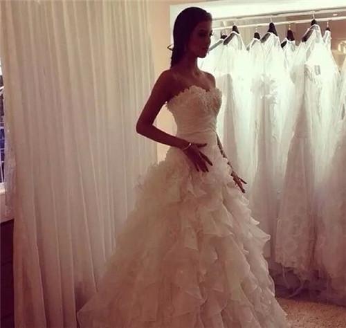 穿婚纱的女人最美丽