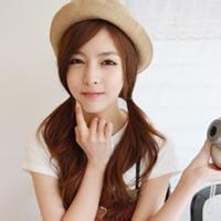 戴帽子可爱的女生头像